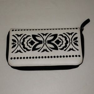Vera Bradley Wallet Black and White